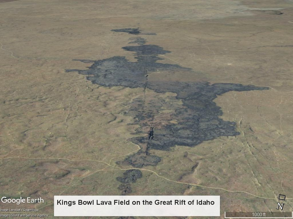 oblique photo of Kings Bowl lava flow showing eruptive fissures and basalt